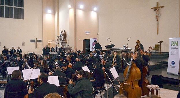 Gira de la orquesta filarm nica de r o negro for Gimnasio fraile